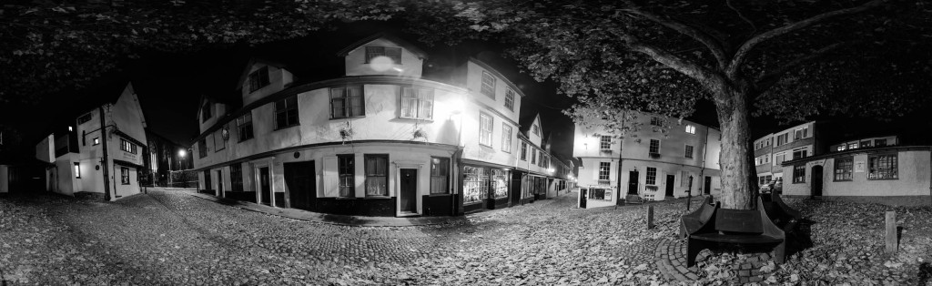 2012.11.03 - norwich-at-night-panorama-bw