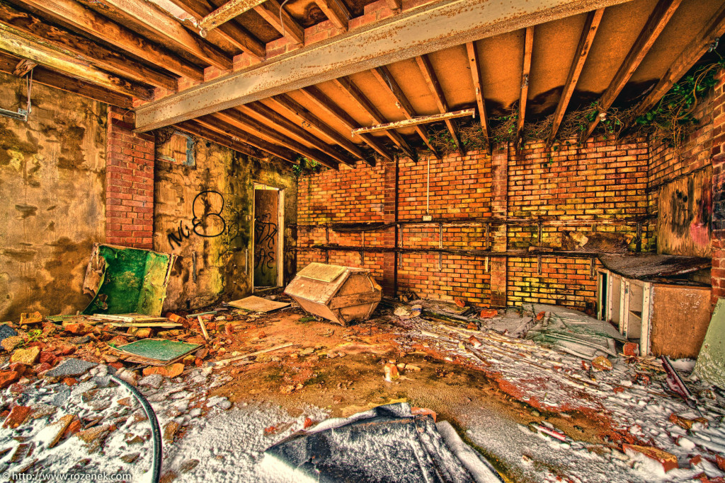2013.03.23 - Abandoned Farm in Norwich - HDR-20