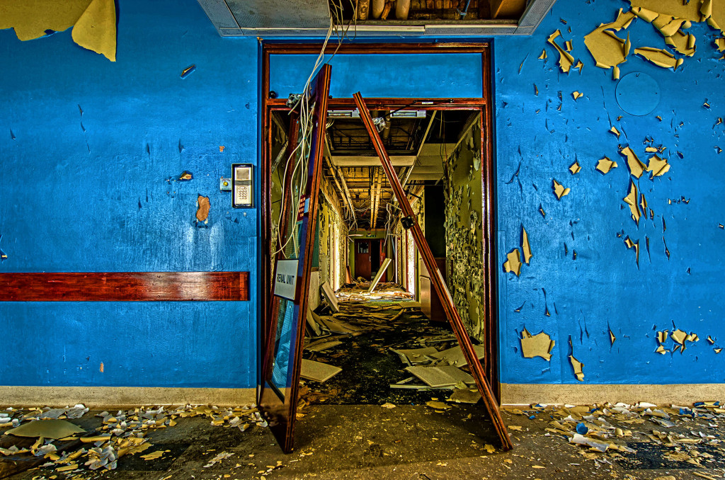2013.05.28 - Peterborough Abandoned Hospital - HDR-04