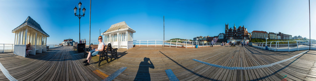 2013.07.18 - Arleta and Pawel in Cromer - Panorama-01