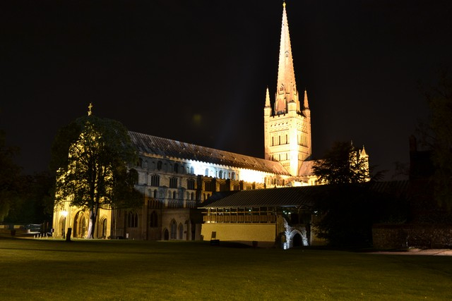 norwich-at-night-2