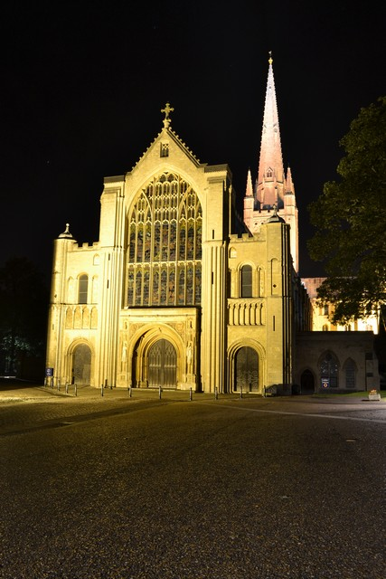 norwich-at-night-3