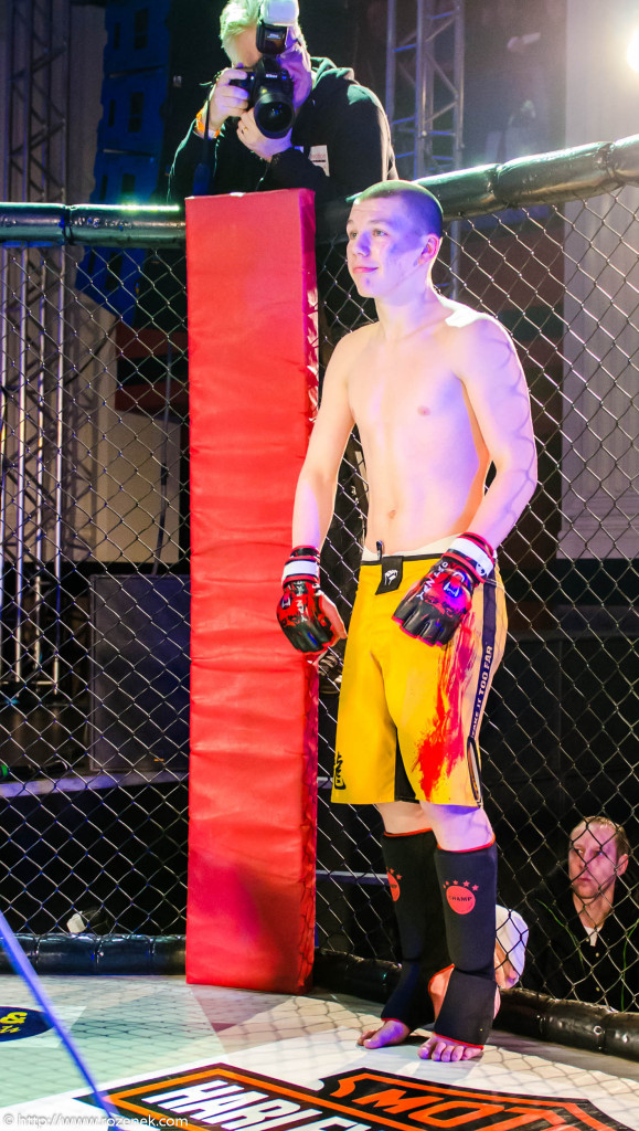 2013.03.30 - MMA Norwich - Fight 01 - 05