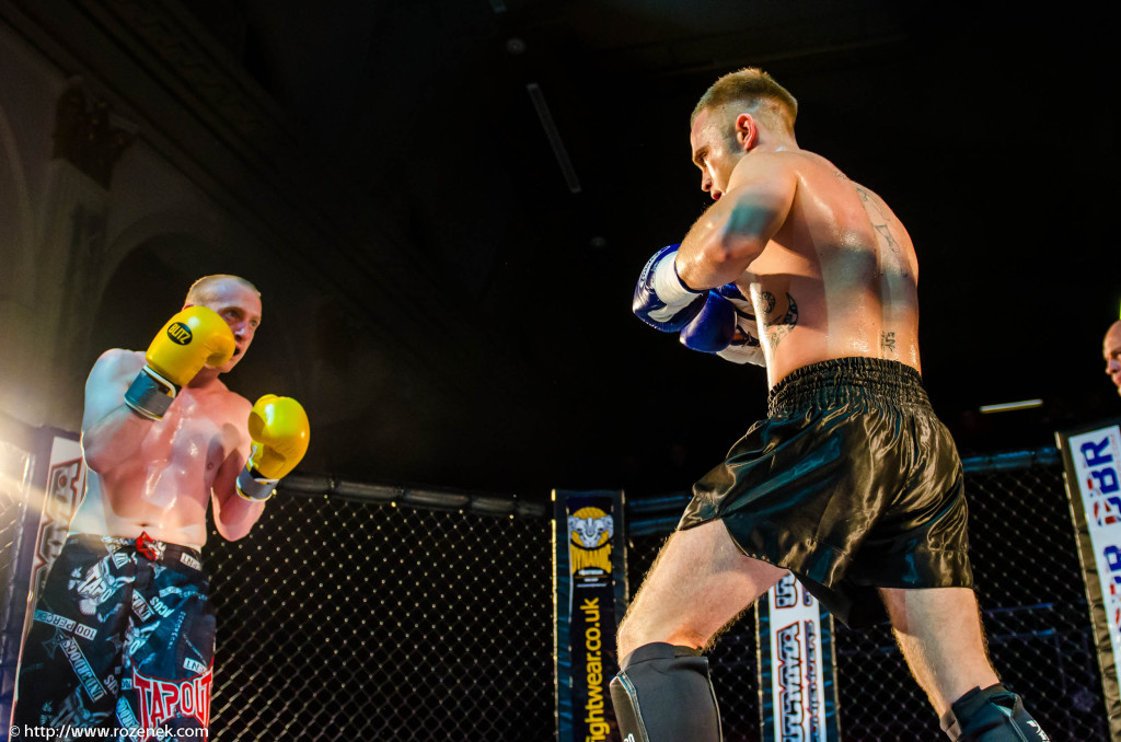 2013.06.15 - MMA Norwich - Fight 18 - 19