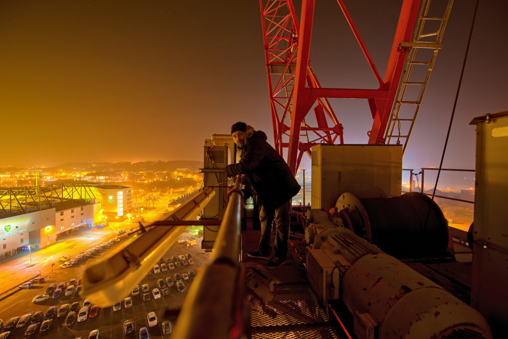crane-climbing-01