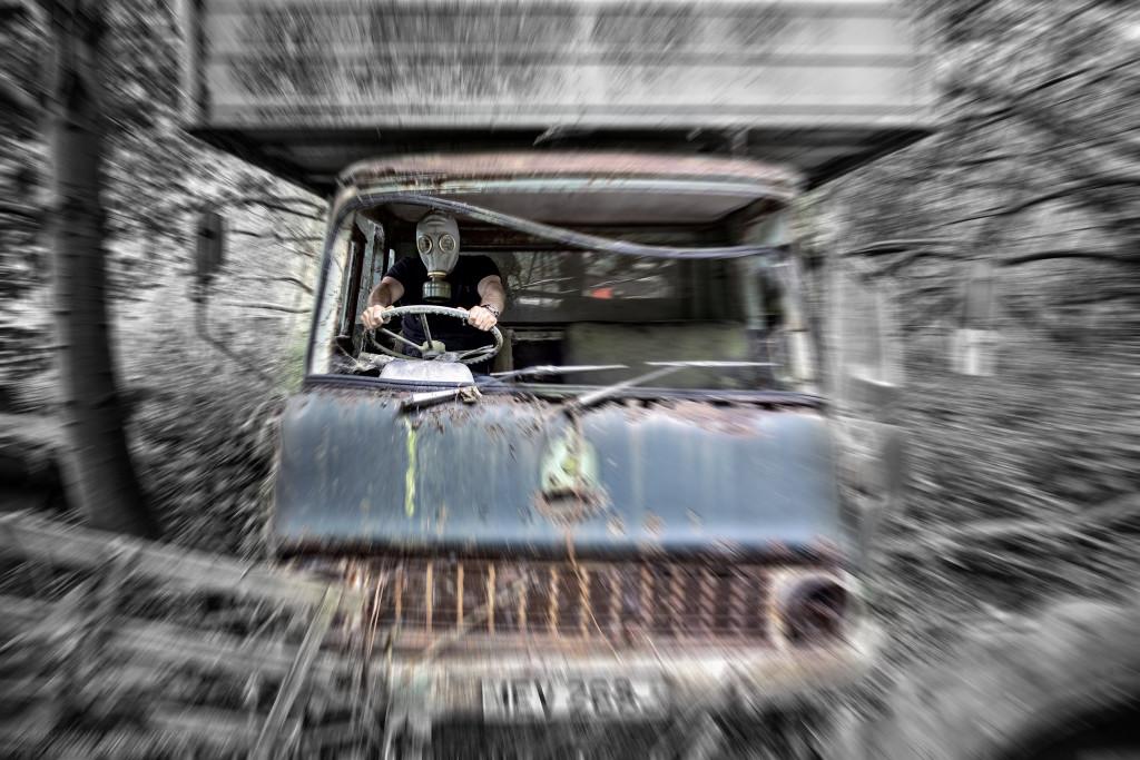 2014.07.26 - Car Graveyard in Hevingham - HDR-16