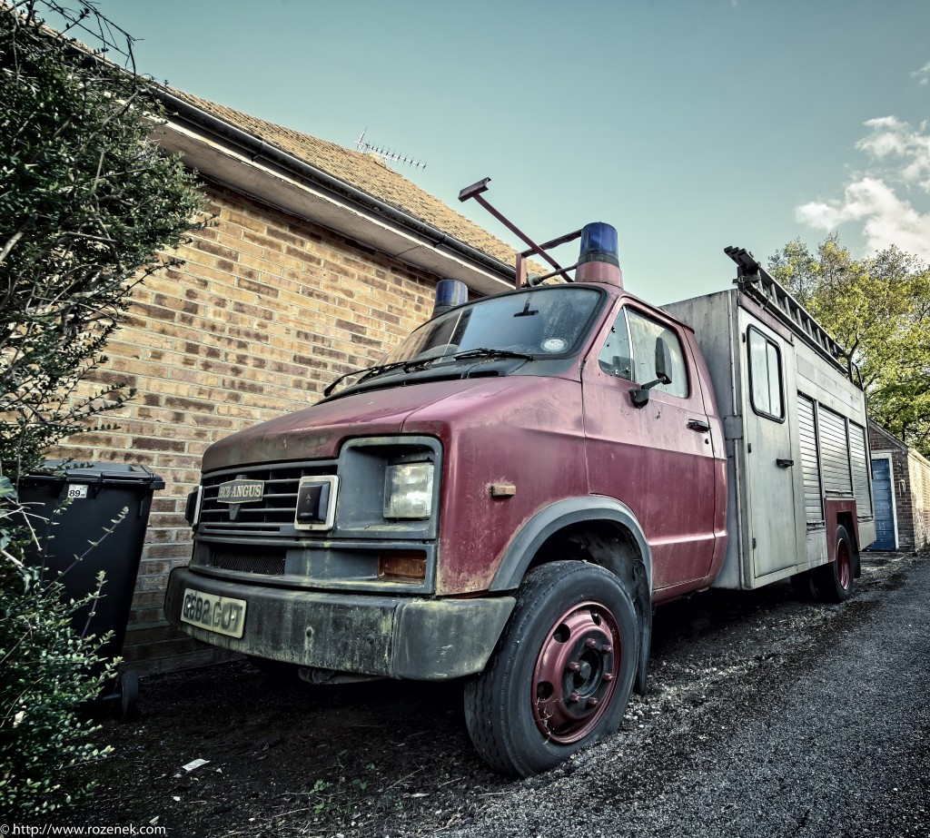2015.05.12 - Old Car - HDR-02 - full