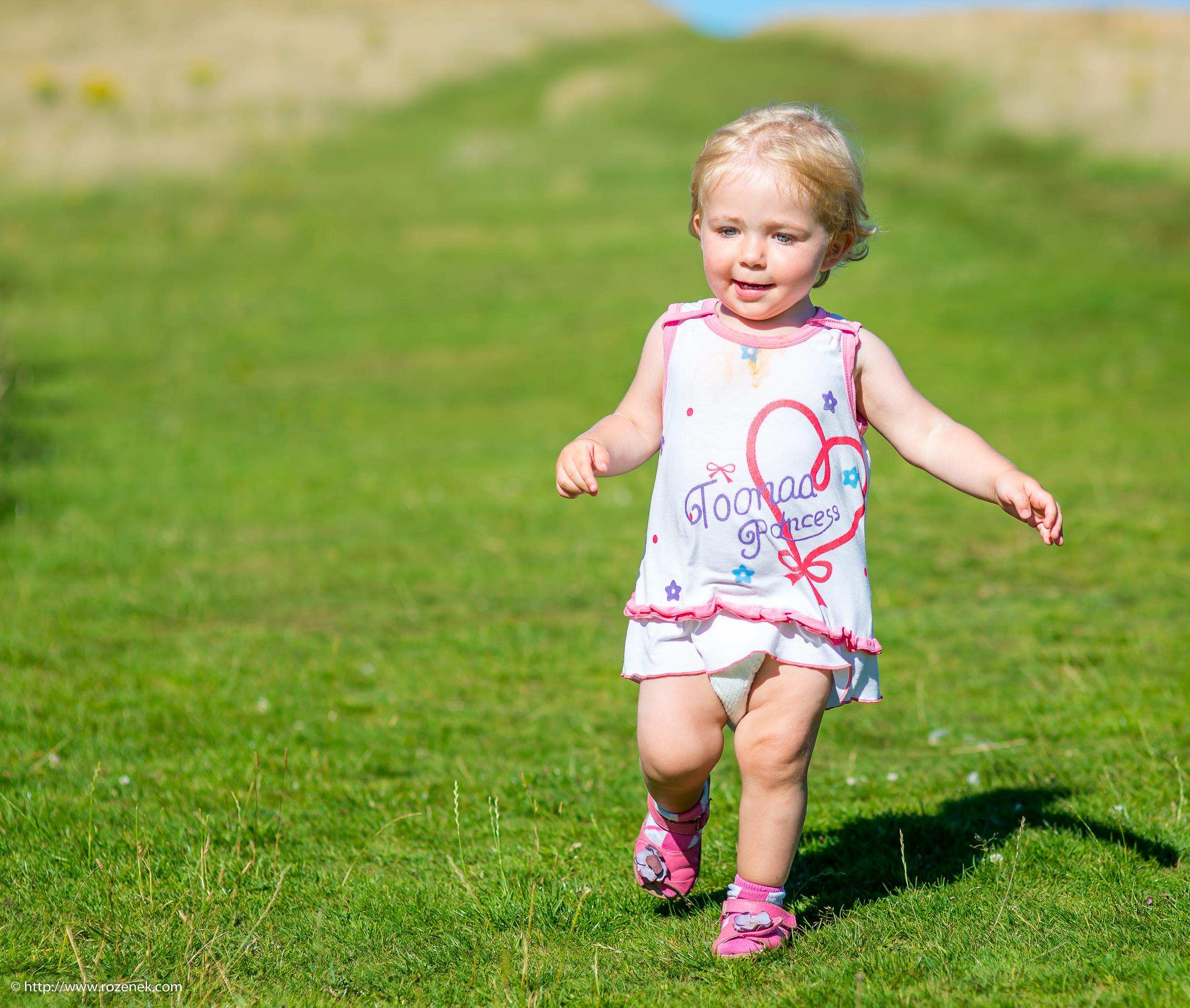 2016.07.23 - Karina at Butser Hill - 25